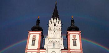 Basilika Mariazell mit Regenbogen / www.mariazellerland-blog.at